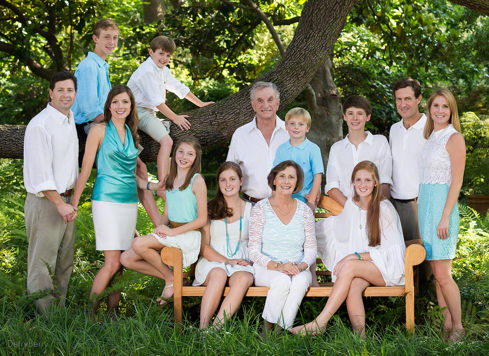 Color location, extended family portrait of the Sahm and Charlton  family in Preston Hollow, Dallas , Texas by Photographer John Derryberry Photography