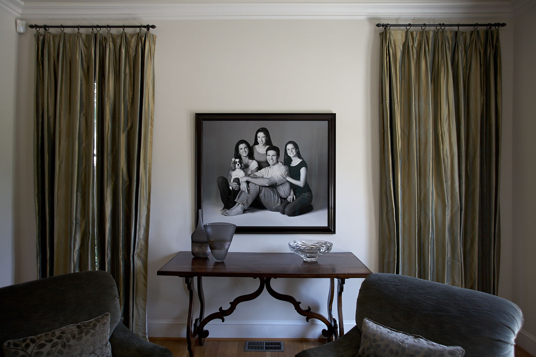Home living room  gallery wall large portrait of a family  by Dallas, Texas photographer John Derryberry Photography
